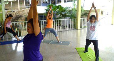 Clases Gratuitas de Yoga Para Familiares de Pacientes con Alzheimer