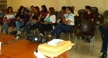 Entrenamiento de Voluntarios para Jornadas de Detección de Alzheimer, Salón ReverdeSer
